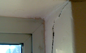 wall crack cracks uk property house home surveyor